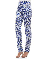 Carolina Herrera Flat-Front Gaspar-Print Slim-Fit Pants - Lyst