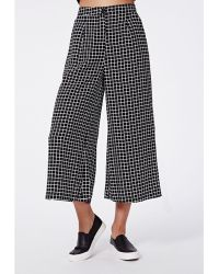Missguided Edele Grid Print Cropped Trousers Black - Lyst