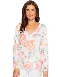 Nally & Millie - Big Floral Print V-neck Top - Lyst