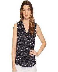 Vince Camuto - Sleeveless Scatter Bouquet V-neck Blouse - Lyst