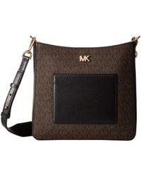 5a65cd0b51ee Lyst - Michael Kors Michael Signature Gloria Pocket Swing Pack ...