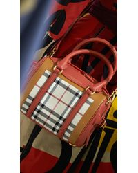 Burberry The Mini Bee in Horseferry Check - Lyst