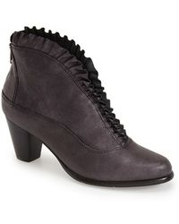 Everybody Kava Ruffled-Leather Boots - Black