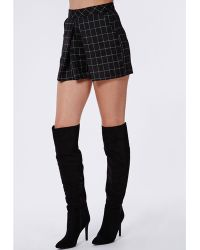 Missguided Grid Print Front Pleat Shorts Black - Lyst