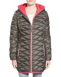 Betsey Johnson - Packable Contrast Zip Quilted Hooded Coat, Grey - Lyst