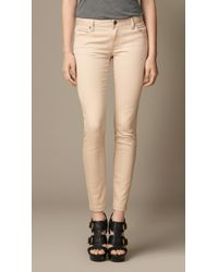 Burberry Skinny Fit Low-Rise Heritage Wash Jeans - Lyst