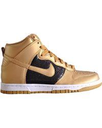 Nike Wmns Dunk High Black/Gold Glitter gold - Lyst