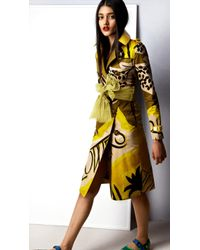 Burberry Book Cover Print Trench Coat with Patent Collar - Lyst