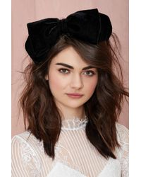 Nasty Gal Bow Down Velvet Headband - Lyst