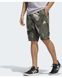 adidas Continent Camo City lange Shorts - Grau