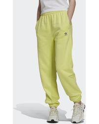 adidas Adicolor Essentials Fleece Joggingbroek - Geel