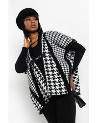 AKIRA Flight To Paris Houndstooth Clasp Poncho - Black
