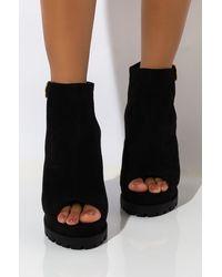 AKIRA Dreaming Peep Toe Chunky Heel Sandal - Black