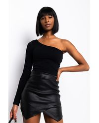 AKIRA Ultra Seamless One Sleeve Top - Black