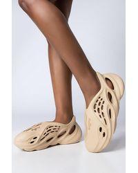 AKIRA Free Runner Flat Sneaker In Bone - Multicolour