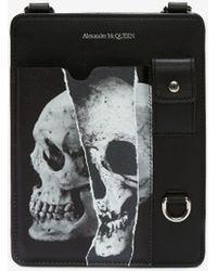 Alexander McQueen Torn Skull Smartphone Case - Black