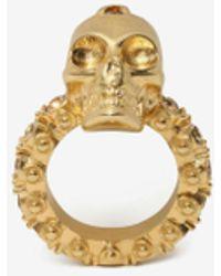 Alexander McQueen Skull-Ring mit Schmucksteinen - Mettallic