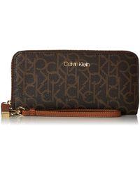 Calvin Klein Key Item Signature Continental Zip Around Wallet With Wristlet Strap - Brown