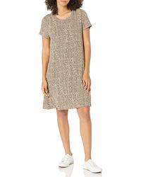 Amazon Essentials Short-Sleeve Scoopneck Swing Dress Robe - Neutre