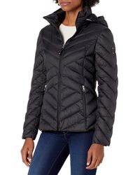 Nautica Short Hooded Packable With Chevron Quilting - Black