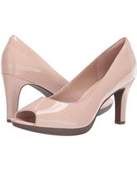 Clarks Adriel Phyliss Pump - Natural