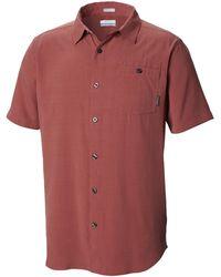Columbia Mossy TrailTM Short Sleeve Shirt Maglietta da Uomo - Rosso