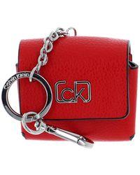 Calvin Klein Earphone Case Vibrant Coral - Rosso