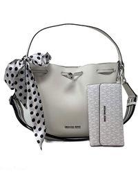 Michael Kors 2pc Medium Eden Bucket Drawstring Shoulder Bag Handbag Bundled with Trifold Wallet Bright White Removable Scarf - Multicolore