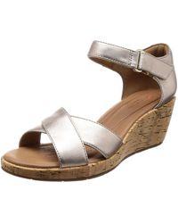 Clarks Un Plaza Cross Ankle Strap Sandals - Metallic