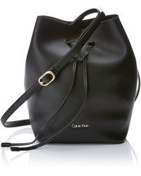 Calvin Klein Rev Medium Bucket - Negro