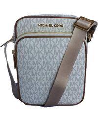 Michael Kors Jet Set Travel Signature PVC Medium Flight Bag - Vanilla - Grau