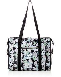 PUMA WMN Core Seasonal Duffle Bag Black-Leaf Aop - Schwarz