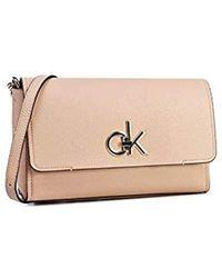 Calvin Klein Re-lock Flap Xbody - Neutro