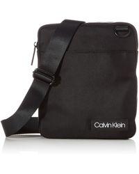 Calvin Klein Ultimate Nylon Flat Crossover - Negro