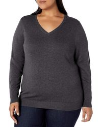 Amazon Essentials Plus Size Lightweight V-Neck Sweater pullover-sweaters - Gris