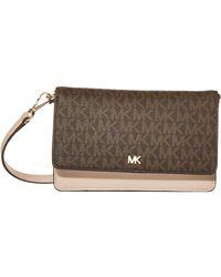 Michael Kors MICHAEL Mott Phone Crossbody Brown/Soft Pink One Size - Marrone