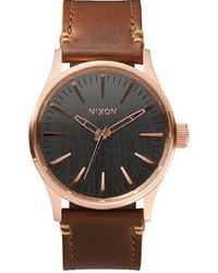 Nixon SENTRY Leder Uhr A3772001 38 Männlich braune Leder