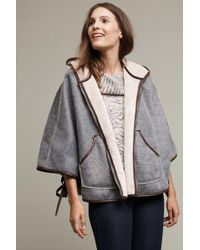 Hei Hei - Reversible Hooded Sherpa Cape - Lyst