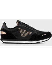 Emporio Armani Sneakers en cuir suédé avec empiècements en cordura et logo sur le côté - Noir