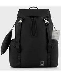 Emporio Armani Travel Essential Rucksack aus Nylon mit vielen Fächern - Schwarz