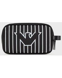 Emporio Armani Kulturtasche aus Nylon mit Streifenmuster und Adler - Schwarz