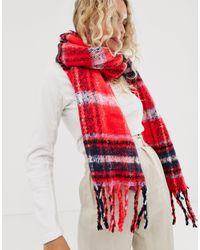 ASOS Oversized Lange Pluizige Sjaal Met Rode Schotse Ruit - Rood