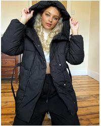 Bershka Belted Padded Puffer Jacket With Hood - Black