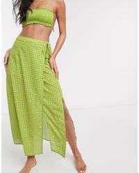 Fashion Union – Mittellanger, geblümter Strand-Sarong - Grün