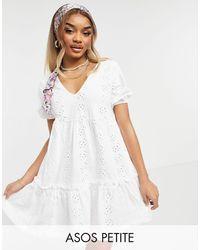 ASOS Vestido blanco amplio con bordado inglés, cuello