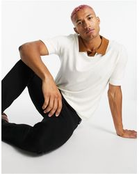 Rudie Short Sleeve Muscle Fit Knitted Sweater With Notch Neck - White