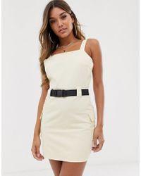 0eddcf9f8938 Missguided - Vestito multitasche con cintura di sicurezza bianco sporco -  Lyst