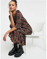 Miss Selfridge Robe mi-longue à imprimé floral et manches à volants - Rouge - Noir