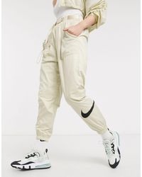 Nike Woven Swoosh Cargo Trousers With Belt - White