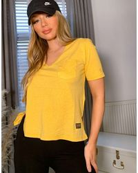 G-Star RAW – T-Shirt mit Tasche und V-Ausschnitt - Gelb